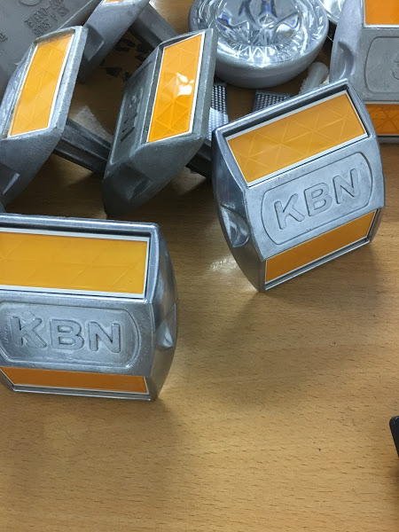 Đinh nhôm phản quang 3M - KBN